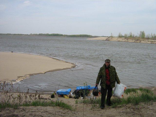 Выгрузка на остров. Волга 2008
