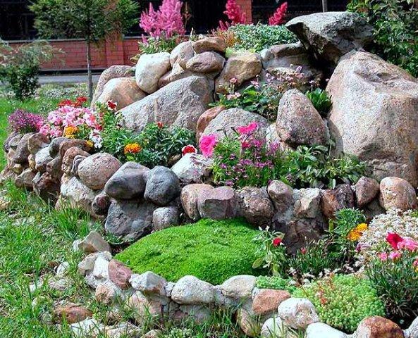 Фото альпийской горки для цветов