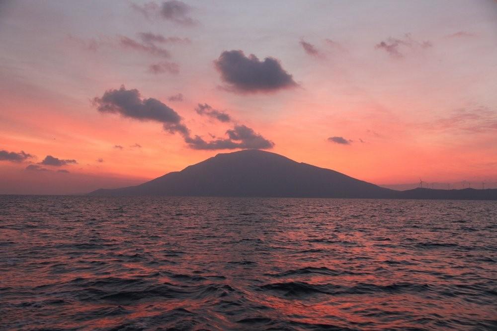 Гёке залив рассвет.jpg