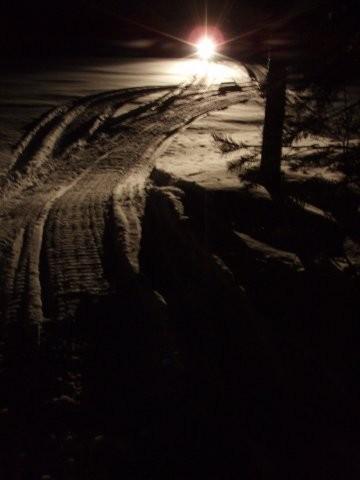 Ночью в избе